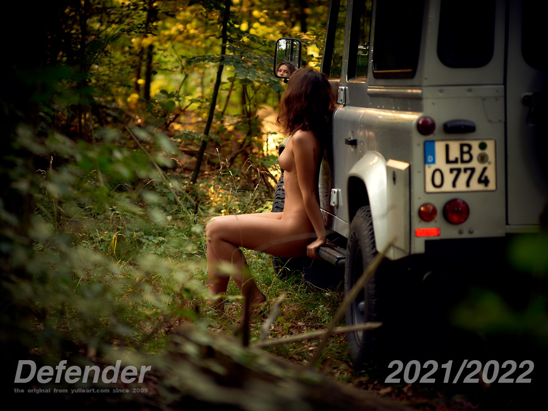 yulia land rover defender calendar