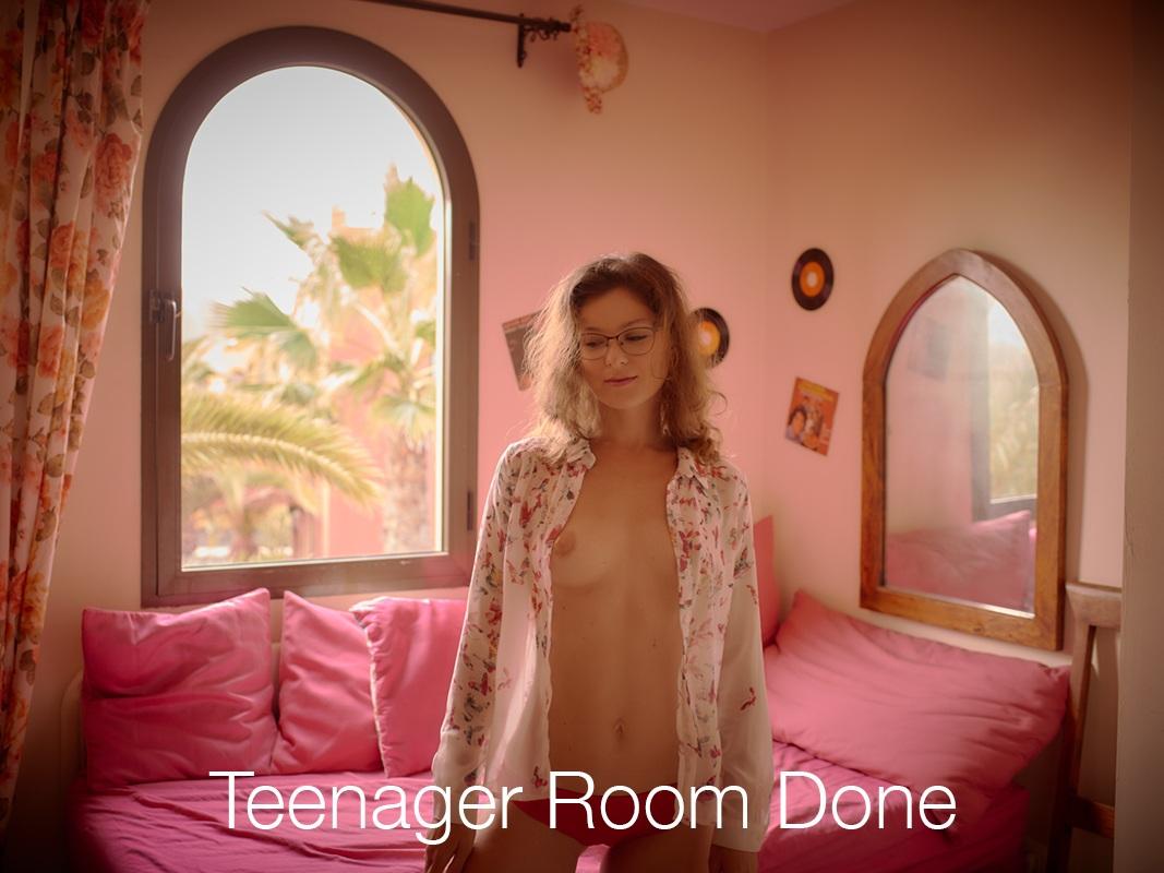 yulia yulilie pink lipstick teenager